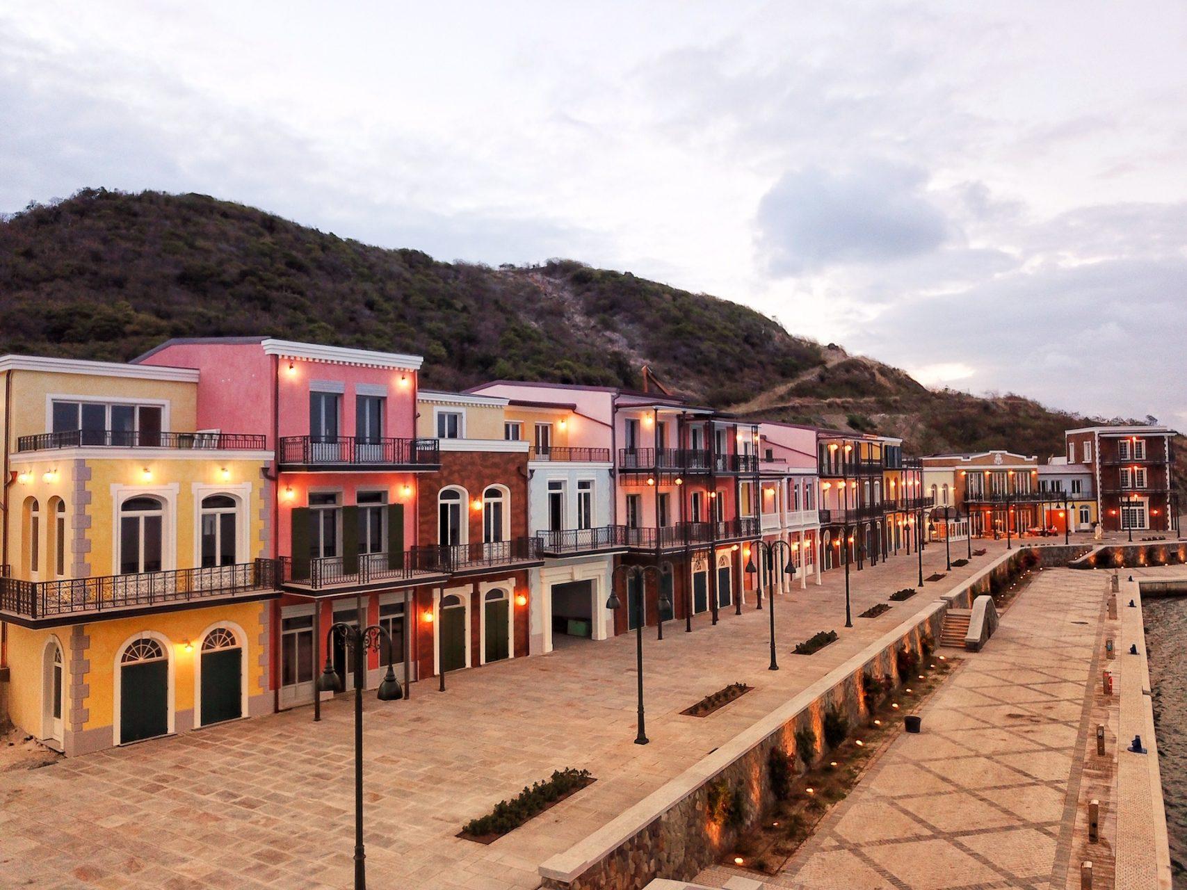 The marina plaza